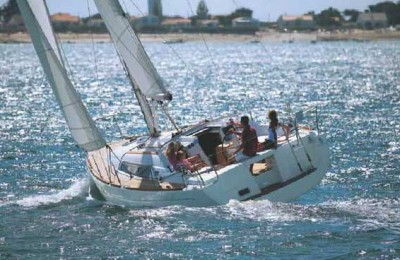 Beneteau Oceanis 37 2