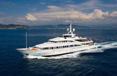 Luxury Yacht Insignia 1