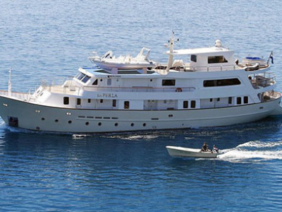 Luxury cruiser La Perla 2b