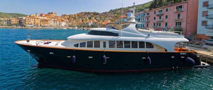Motor-Yacht-BUGIA-for-Charter-in-Italy-(1a)